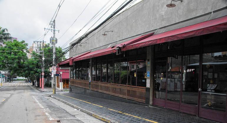 Bares fechados no bairro da Vila Madalena, na cidade de São Paulo