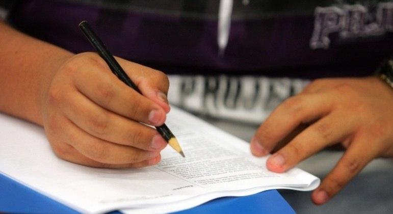 Estudantes fazem nesta segunda-feira (22) o segundo dia de provas na 2ª fase da Fuvest