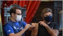 Presidente do STF, Luiz Fux, toma vacina contra covid no Rio