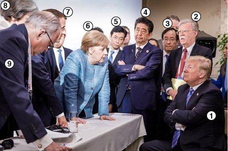 Líderes mundiais reunidos em momento registrado pelo fotógrafo oficial do gabinete alemão, Jesco Denze, que viralizou