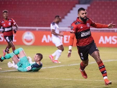 Gabigol marcou dois gols ontem e se igualou a Zico. 16 na Libertadores