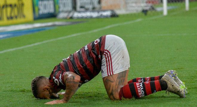 Ele já até havia se despedido do Flamengo. Com a certeza de voltar para a Europa