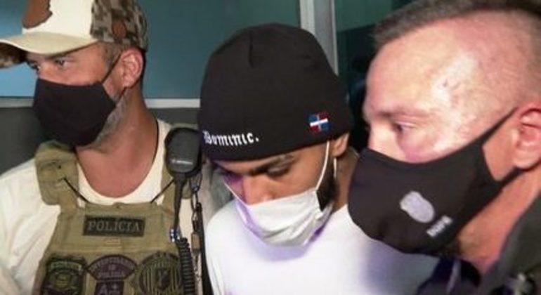 Gabigol detido pela polícia. Estava jogando em cassino clandestino em São Paulo