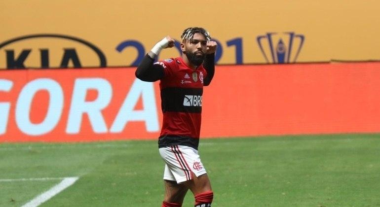 Gabigol fez o gol de empate do Flamengo, ainda no primeiro tempo