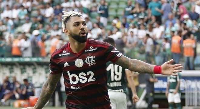 Gabigol marcou duas vezes na vitória do Fla para cima do Palmeiras