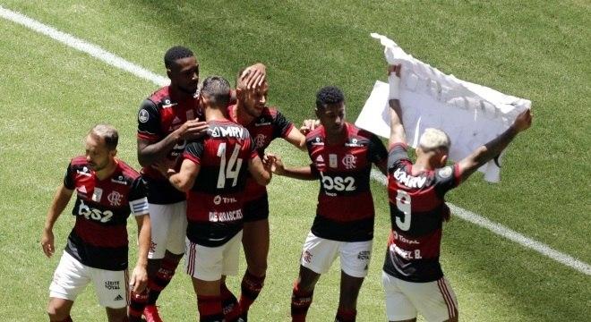 Gabigol comemorou seu gol com o seu já tradicional cartaz
