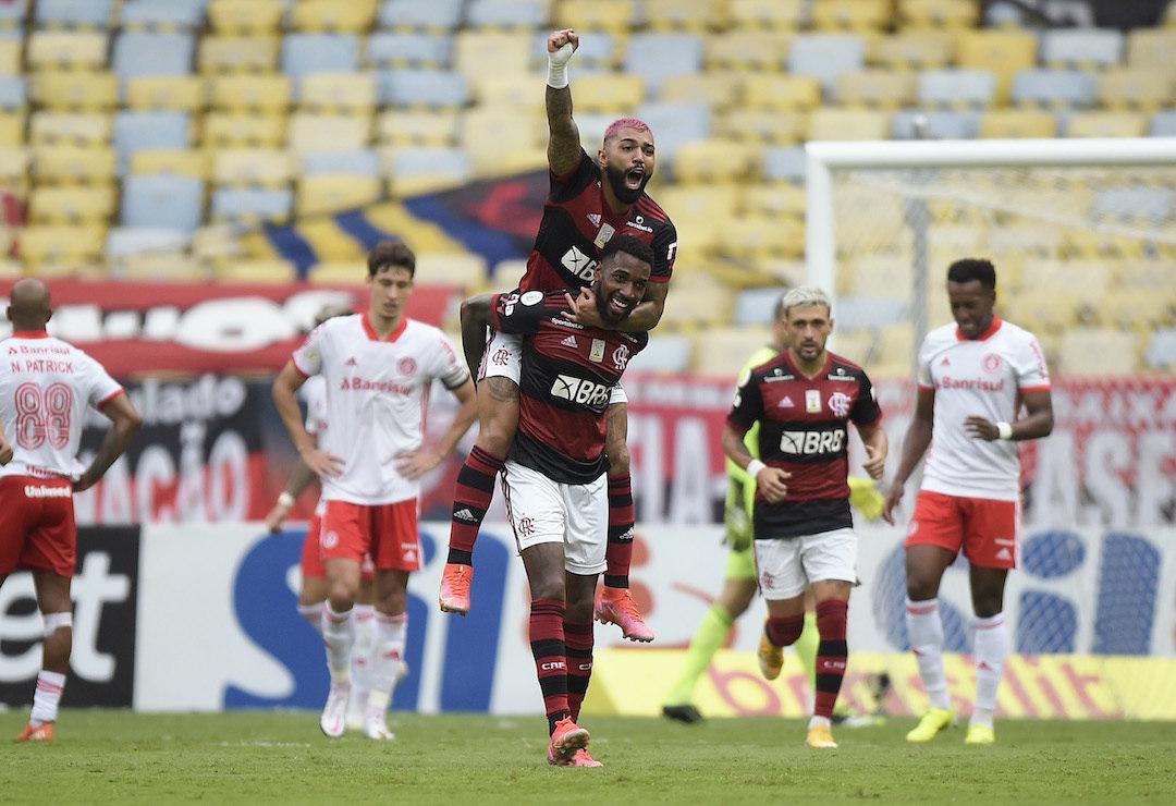 Gabigol não desperdiçou o passe espetacular de Arrascaeta. Virada do Flamengo contra o Inter