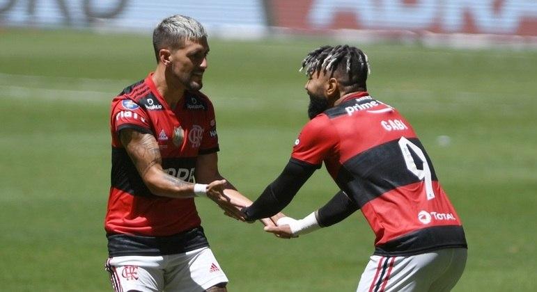 Gabigol e Arrascaeta fizeram os gols do Flamengo no jogo