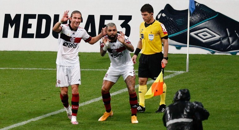 Gabigol foi o grande destaque do jogo, com um gol e duas assistências