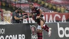 Flamengo bate Vasco e fica a dois pontos do líder Internacional