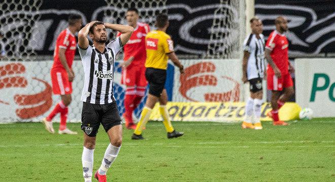 Gabriel lamenta gol sofrido pelo Atlético-MG no fim do jogo