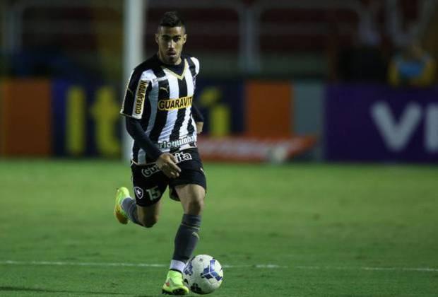 Gabriel: atualmente no Corinthians, o volante Gabriel enfrentou problemas de atrasos salariais quando atuava pelo Botafogo, em dezembro de 2014. O jogador solicitou na Justiça a rescisão contratual alegando pendências em relação ao salário e ao FGTS. Após a liberação, o jogador assinou com o Palmeiras.