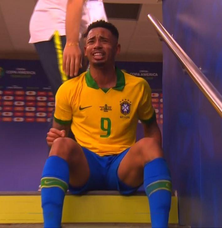 As cenas patéticas, que protagonizou na final da Copa América, também o perseguem
