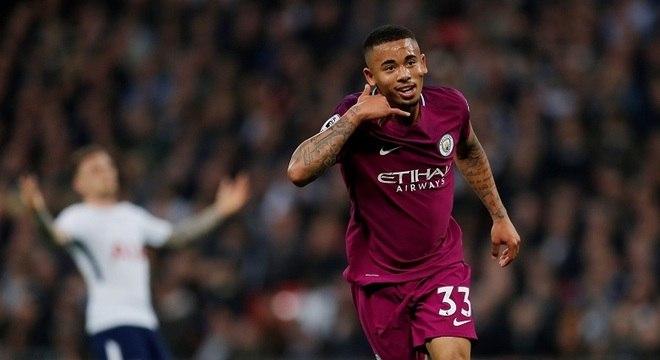 Gabriel Jesus abriu o placar para o Manchester City em Wembley