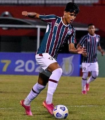 Gabriel Lira - 18 anos - lateral-esquerdo - contrato com o Fluminense até 31/08/2023 (o único ainda com contrato de formação)