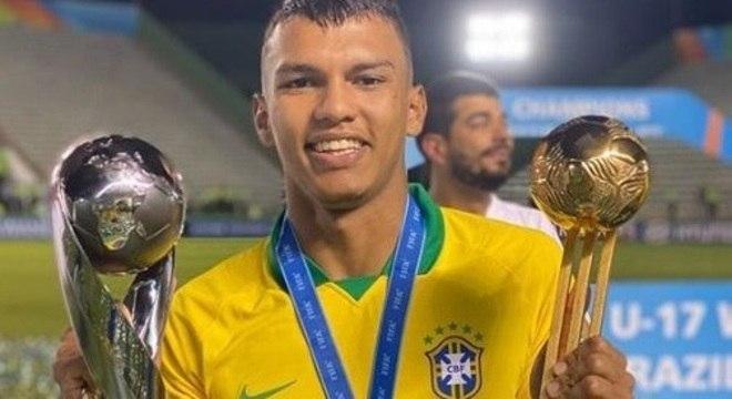 Gabriel Verón. Melhor do Mundial sub-17. Não jogou final por contusão