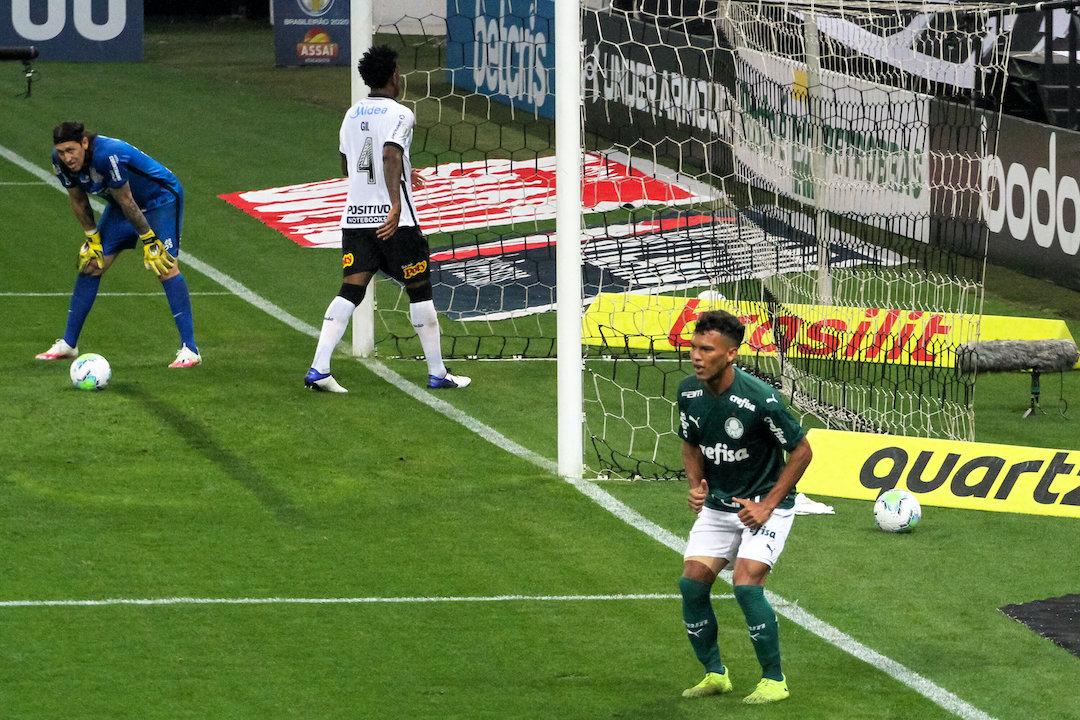 Gabriel Veron dança depois do segundo gol. Humilhação na arena corintiana
