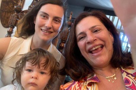 Da esq. p/ dir.: Sophia (filha), Gabriela e Theodoro (neto)