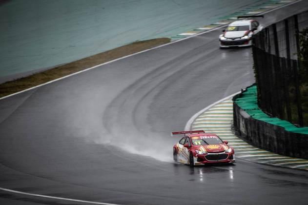 Gaetano Di Mauro acelera no molhado circuito de Interlagos