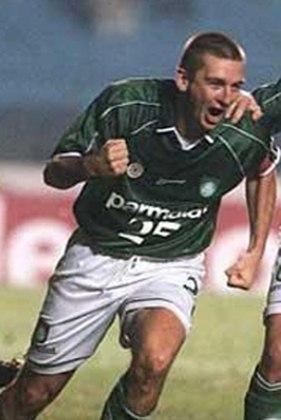 Galeano: um dos jogadores que mais vestiu a camisa do Palmeiras, se aposentou em 2009, no Ituano, e aceitou proposta para ser supervisor de futebol no alviverde logo depois. Em 2015, foi para o Juventude como auxiliar técnico.