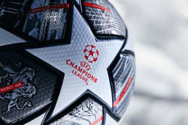 GALERIA: A bola Finale Istanbul 21, versão especial da Starball que será usada na reta final da Champions 2020/2021