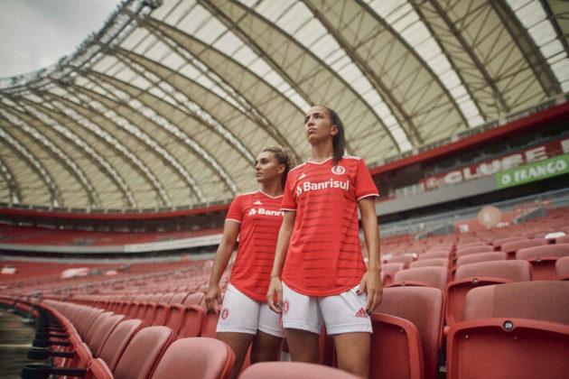 GALERIA: Veja fotos da nova camisa 1 do Internacional