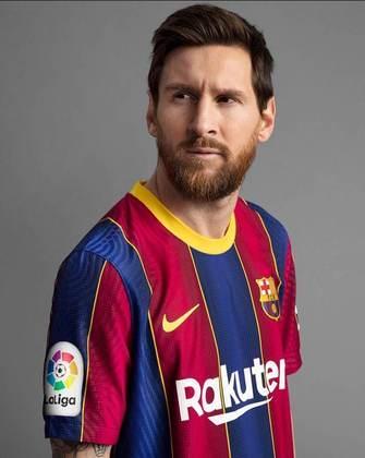 GALERIA: Veja fotos da nova camisa titular do Barcelona