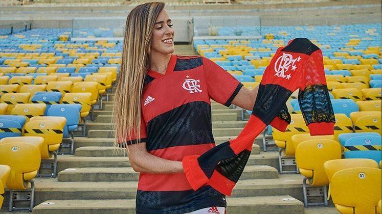 GALERIA: Veja fotos da nova camisa titular do Flamengo