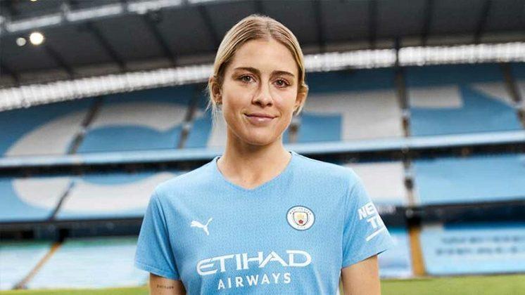GALERIA: Veja fotos do novo uniforme principal do Manchester City