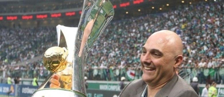 Galiotte perto de vitória histórica. Derrotar a Globo, dona do futebol no Brasil