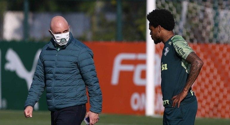Galiotte e Luiz Adriano. O desgaste é grande. Palmeiras não quis seu artilheiro na final
