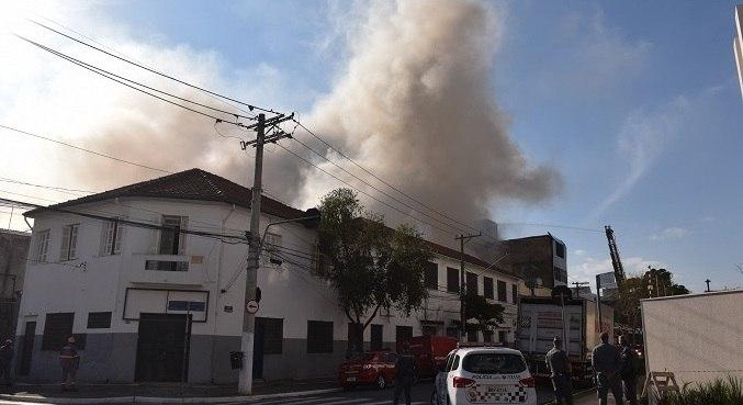 Imóvel está localizado na rua Afonso Pena, altura do número 580