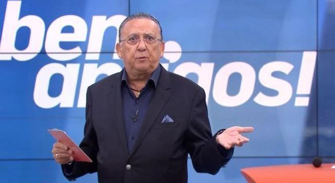Galvão Bueno é a voz oficial do esporte da Globo. Fala o que a direção deseja
