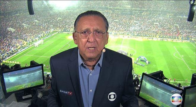 A voz embargada de Galvão Bueno é o sinônimo do fracasso do futebol na Globo