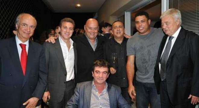 Com a queda do Corinthians na Libertadores, Galvão criticou o amigo Andrés
