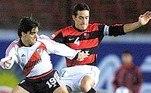 Fora o Corinthians, o ex-zagueiro também vestiu as cores de Flamengo, Internacional e do maior rival, o Palmeiras. Apesar da