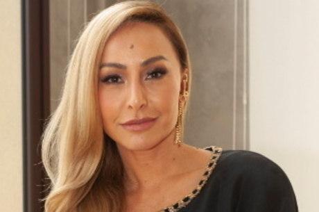 """Sabrina Sato vai apresentar o """"Família Record"""" com Marcos Mion"""