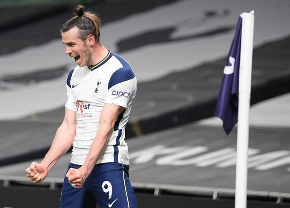Gareth BaleO galês que já atuou em grandes equipes, como Real Madrid e Tottenham, acumula uma fortuna de cerca de 123 milhões de dólares