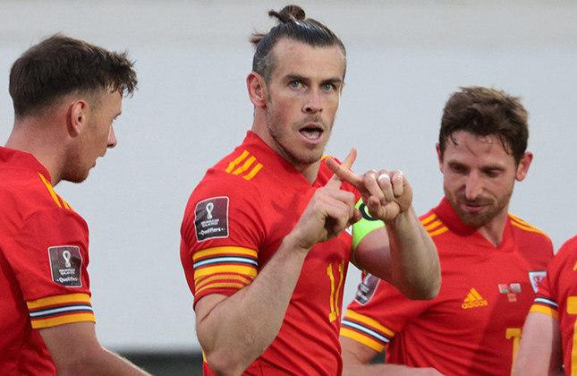 Gareth Bale (32 anos) - Atacante do Real Madrid - Valor de mercado: 18 milhões de euros - Não deve ter o contrato renovado.