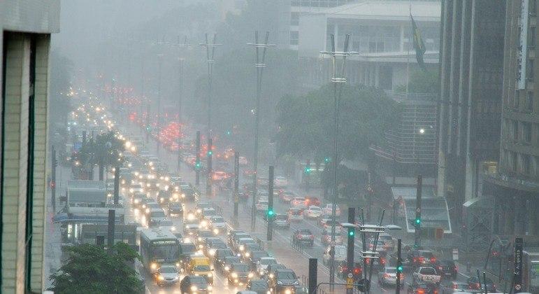 A capital terá previsão de chuva leve e temperatura baixa nesta quarta-feira (7)
