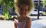 Quando ela era mais jovem, Shilah chegou a cortar seu próprio cabelo de tanta frustração. Mas agora ela decidiu torná-lo único