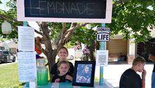 Garotinhas vendem limonada para homenagear irmã falecida