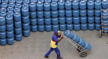 Preço médio do botijão na refinarias será de R$ 37,79