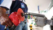 Preço médio do litro de gasolina ultrapassa R$ 5 em fevereiro