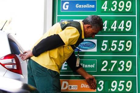 Preços da gasolina e do diesel subiram quase 30%