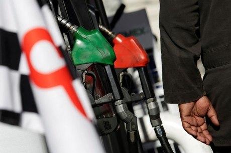 Litro da gasolina chegou a ser encontrado por R$ 5,459