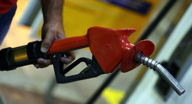 Preço médio do combustível subiu em 20 Estados