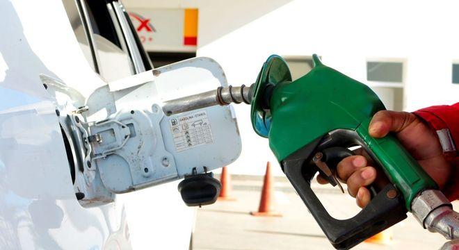 Posto de combustível; refinarias terão novo preço a partir de quinta