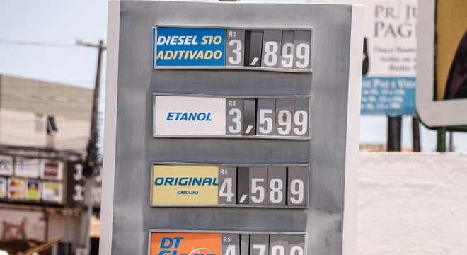 Aumento do diesel foi suspenso pelo presidente Jair Bolsonaro