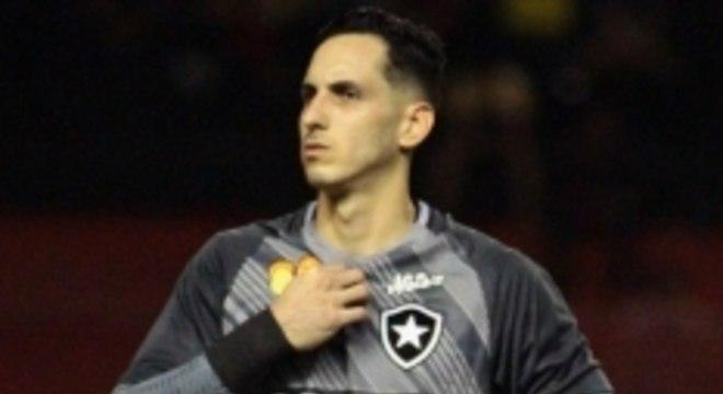 Gatito é uma das referências do time do Botafogo. Gatito é uma das  referências do time do Botafogo Lance. Zé confirma retorno de meias e não  descarta ... 1fff4e1a84558